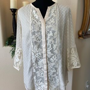 Y neck clip dot and lace blouse